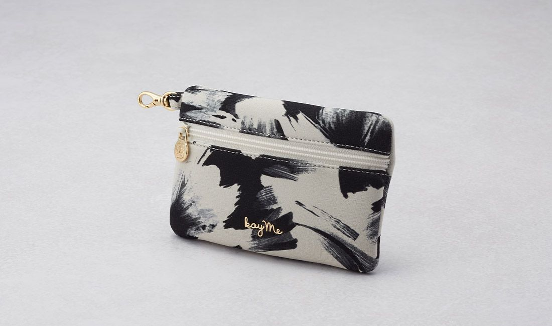 White tassel ​Valuables pouch