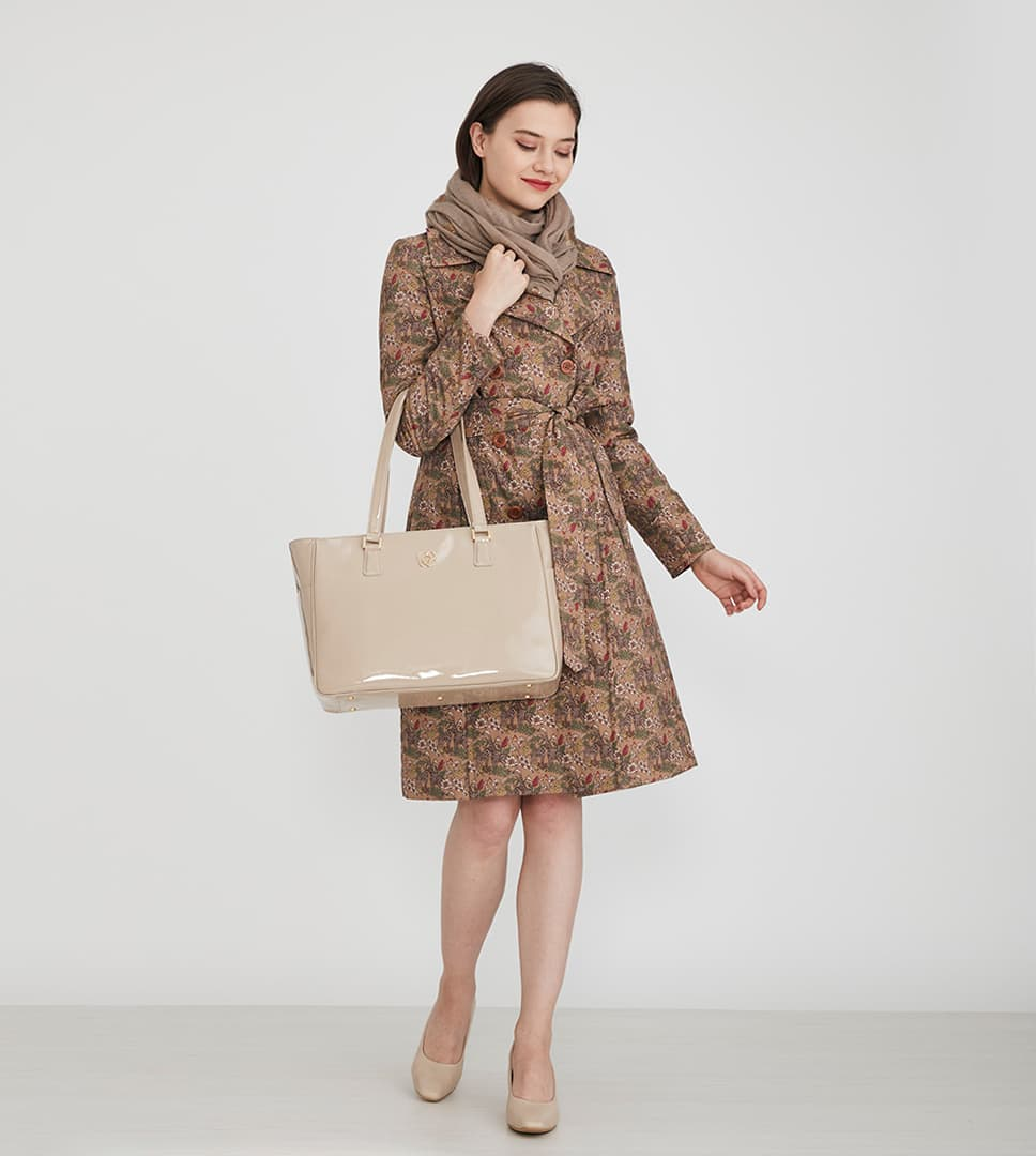 14_Airy_Tote_Coordinate_Quilted_Coat_1.jpg