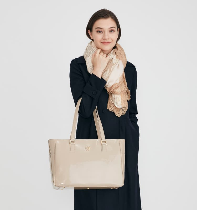 01_MV_Business_Bags_Airy_Tote_Mobile.jpg