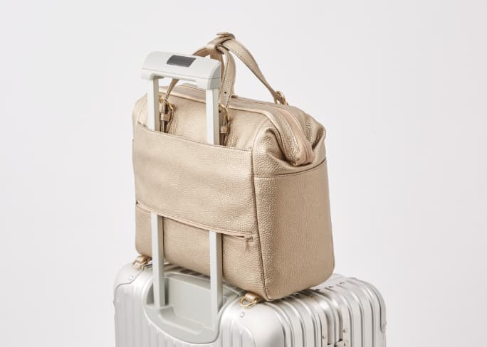 20_2-Way_Business_Bag_Feature_Suitcase_Docking_Mobile.jpg
