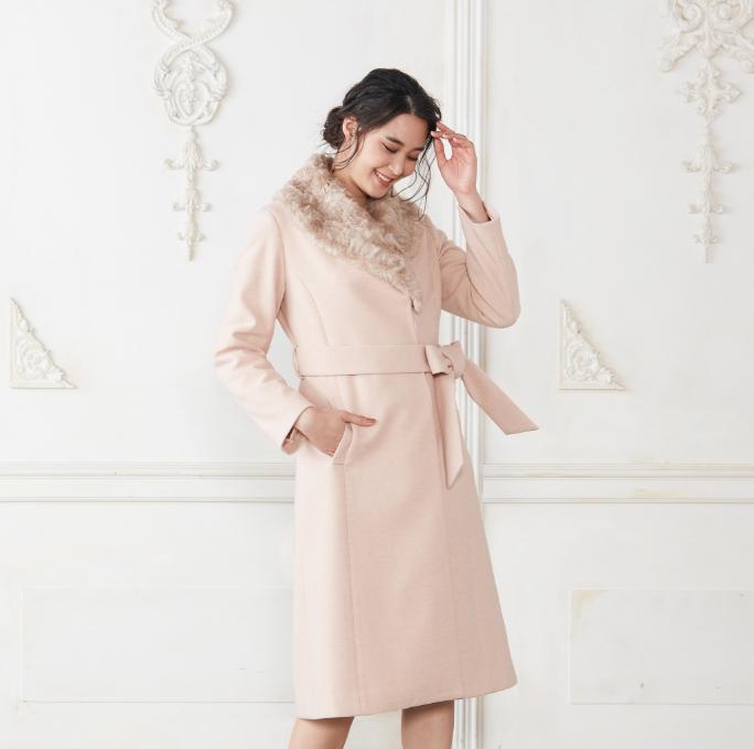 08_Thumbnail_Eco_Fur_Coat_Pink_Beige_Mobile_re01.jpg