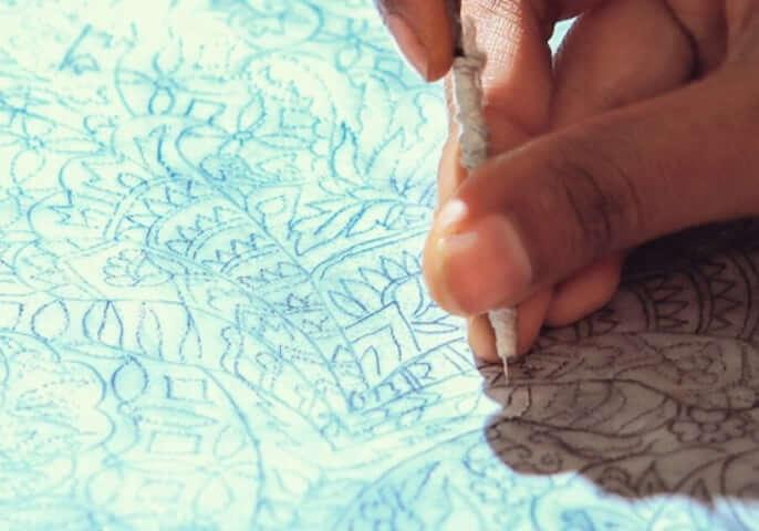 02_Stole_Craftsmanship_mobile.jpg