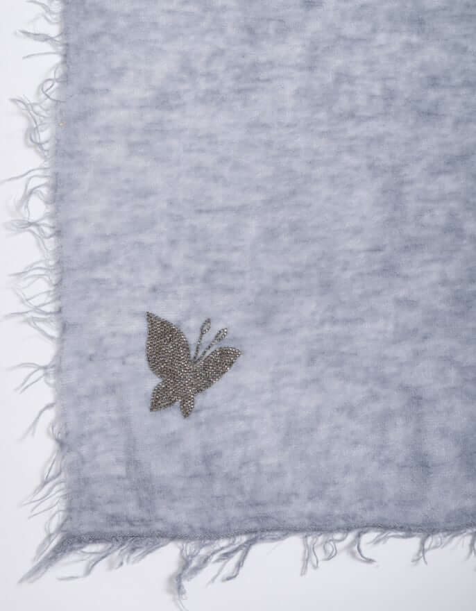 10_Cashmere_butterfly_Gray_Stole_mobile.jpg