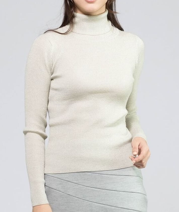 06_3_Thumbnail_Off_White_Turtle_Neck_Knit.jpg