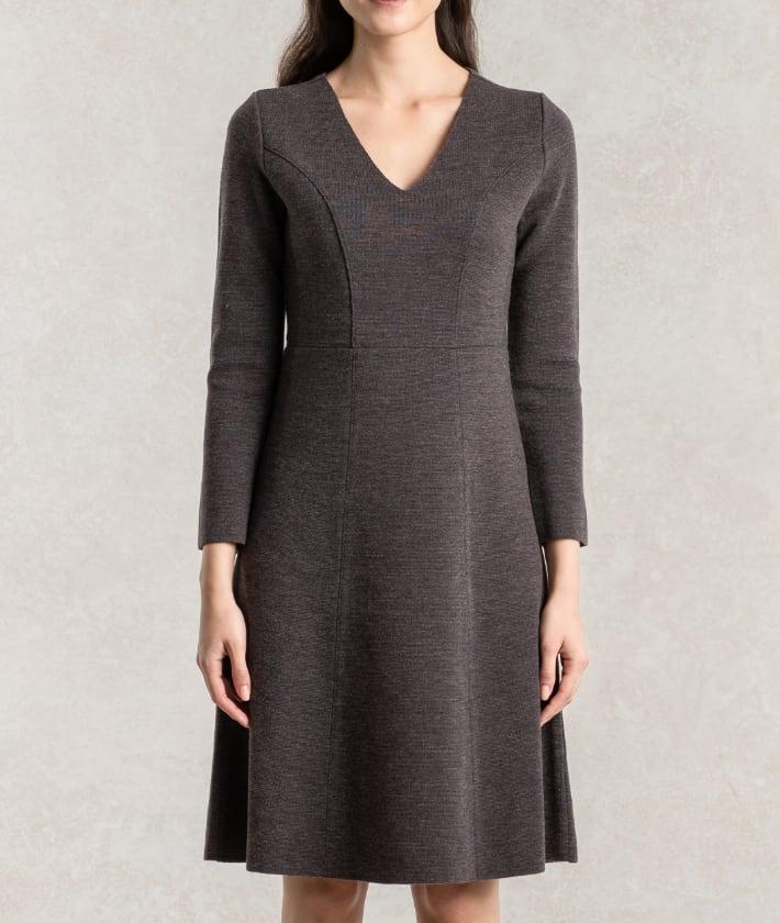 3_2_Thumbnail_Knit_Dress.jpg