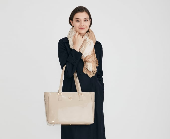 MV_Business_Bags_Airy_Tote_Mobile.jpg