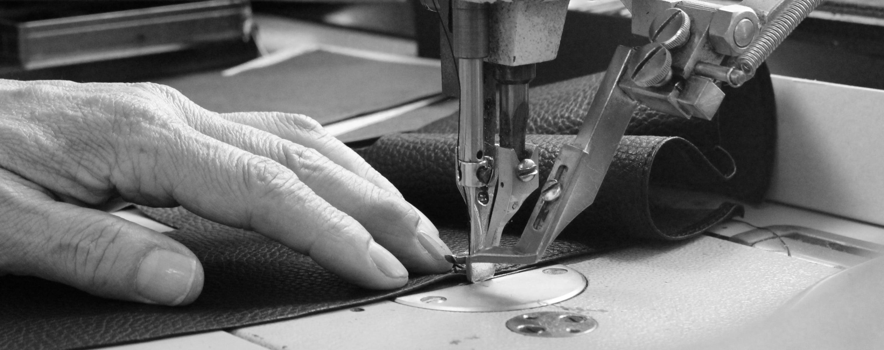 29_Pocket_Wallet_Bag_Craftsmanship.jpg