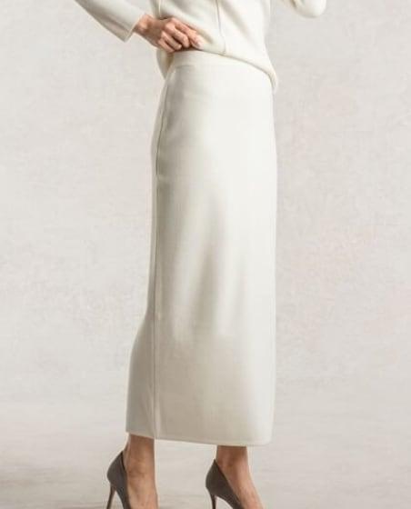 Thumbnail_2_2_Milky_White_Knit_Long_Skirt.jpg