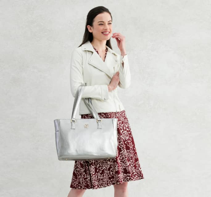 Coordinate_2_Bordeaux_Dress_Ivory_Rider_Mobile.jpg