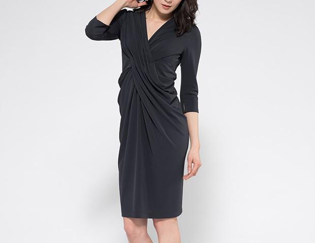 ブラック ヴィーナスドレス